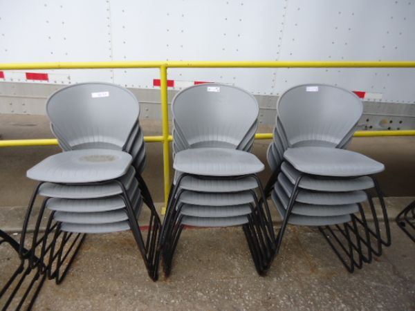 $20 EACH CHAIR PLASTIC STACKABLE CHAIRS OFFICE SIDE CHAIRS - $20 (PLEASE CALL ALEX 281 785 4489)