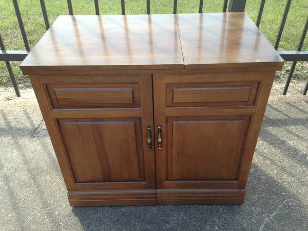 Nice, Clean Parsons Sewing Machine Cabinet - $450 (Spring)