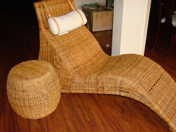 IKEA KARLSKRONA Wicker Chaise Lounge Chair and Ottoman - $80 (Spring, TX)