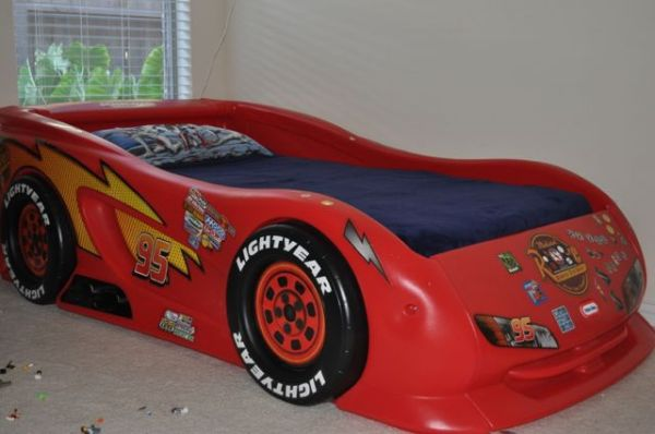 Lightning McQueen Cars Twin Bed - $125 (Cinco Ranch, Katy)