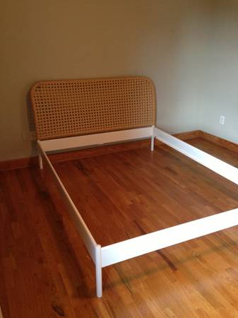 FREE QUEEN SIZE BED FRAME IKEA WHITE WICKER (Houston Heights)