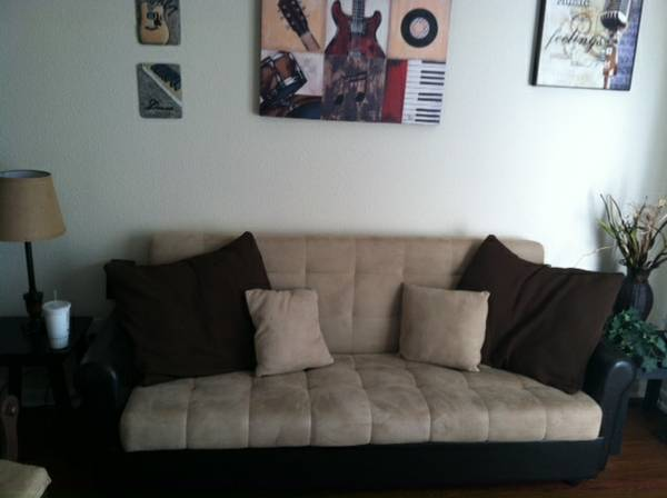 Nice Futon and toddler bed wtoy box - $250 (The Woodlands)