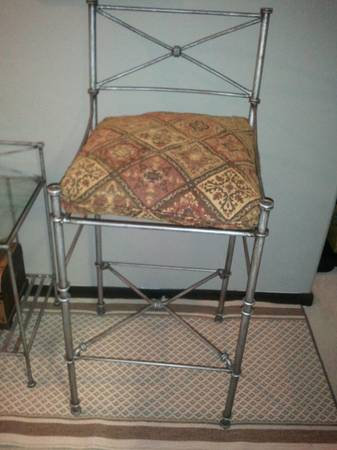 pier one bar height stools and accent table - $120 (katy)