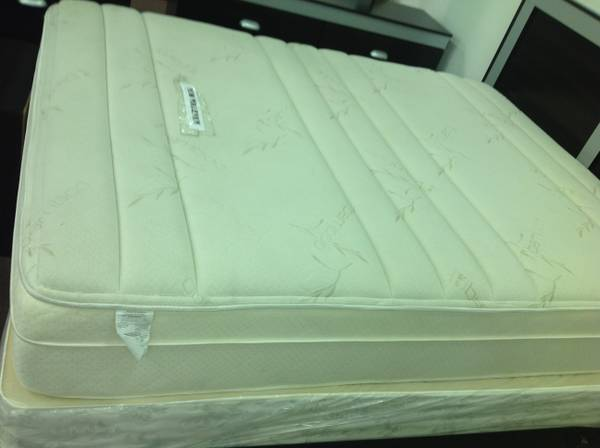 NEW MATTRESS FOR SALE GOLDEN PEDIC $ 579 (HOUSTON)