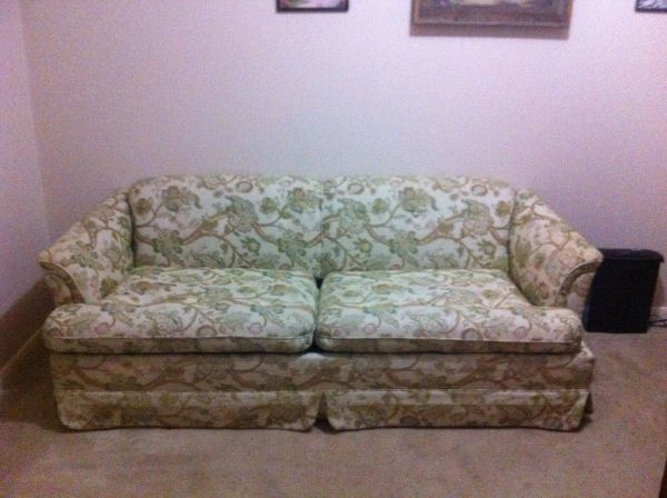 Karpen Sleeper Sofa - $120 (Kingwood)