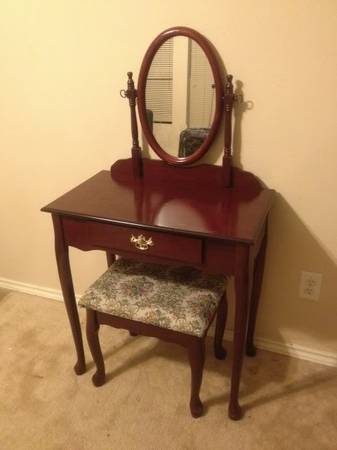 Charlotte Cherry Mocha Brown Dresser Vanity Table,Mirror,Stool Bench - $125 (Sugar Land - Can Deliver)