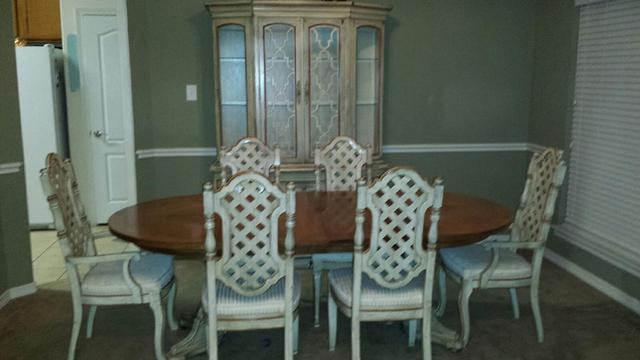 $600, Dining room set