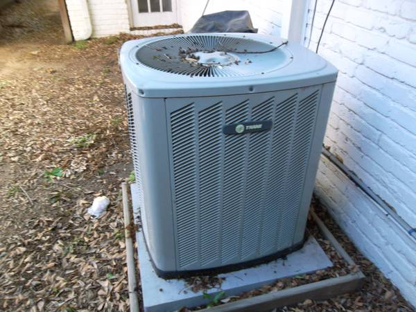 R-22 5 TON 3 PHASE TRANE IN PERFECT WORKING CONDITION FULLY CHARGED - $500 (SPRING)