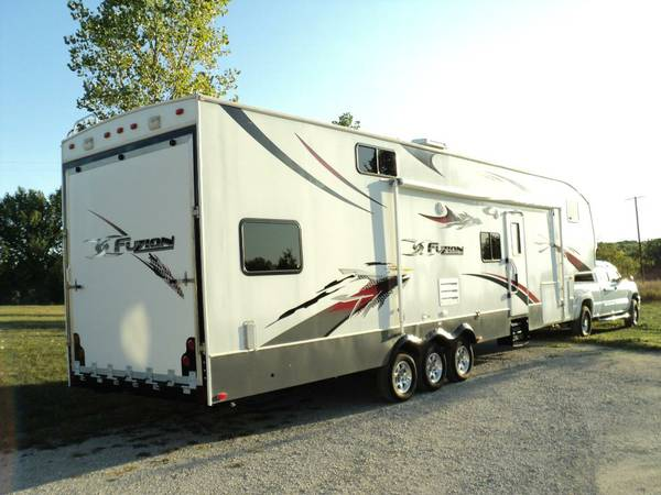 2007 Keystone Fuzion FZ362 Fifth Wheel - $31500 (League City)
