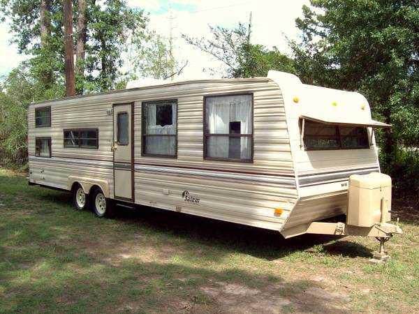 SALEM TRAVEL TRAILER 29ft WITH BUNKS - $5150 (SPRING)