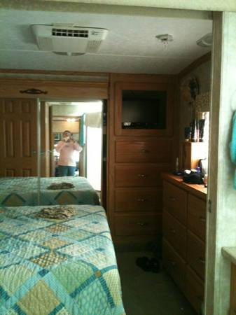 Must Sell 2006 Open Road 5th Wheel (In Sealy Texas out past Katy)