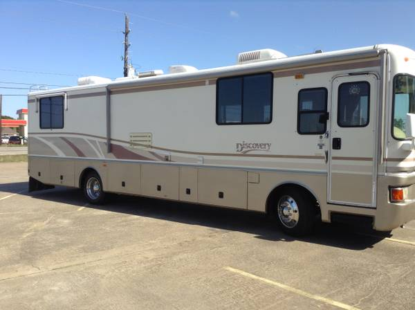 1998, 37 Fleetwood Discovery - $34500 (Baytown, Tx)