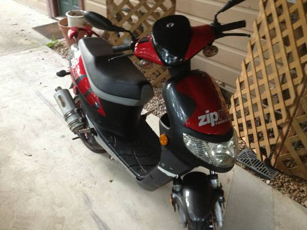 (2) Vento R3I Zip Turbocam Scooters  Moped - $500 (Conroe)