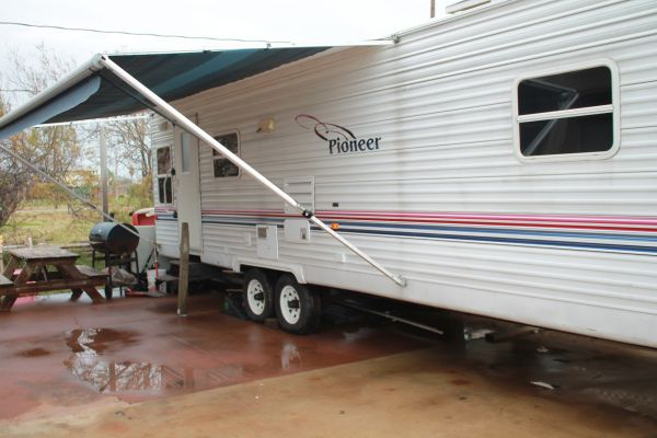 2003 Pioneer 28 ft Travel Trailer - $6500 (Surfside Beach)