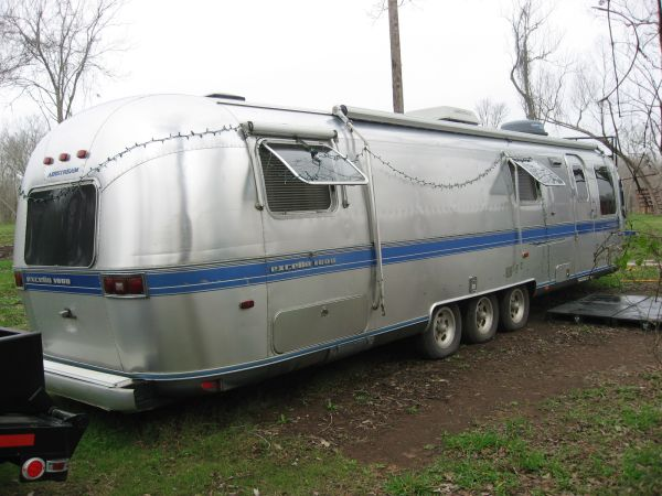 93 34 AIRSTREAM EXCELLA 1000  REDUCED - $15999 (LAKE JACKSON)