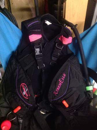 Scuba Gear - Ladies Dacor XtremElite BC - $100 (Atascocita)