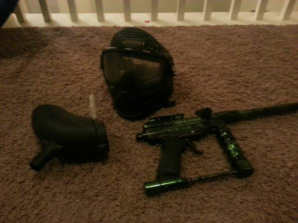 Spyder special edition green semi auto cal.68 paintball gun, loader   - $65 (Cypress)