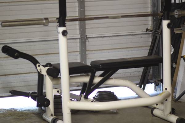 University Equipment 3750 Bench Press w weights - $150 (Conroe)