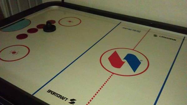 Air hockey table great christmas gift - $200 (rosenberg)