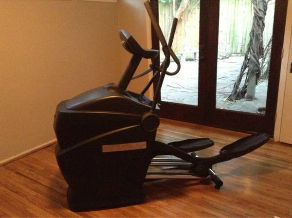 Octane Fitness Q35e elliptical - $600 (Memorial and Beltway)