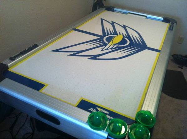 Brunswick Air Hockey Table fully functioning - $100 (Clear lake, webster, friendswood)