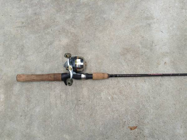 Shakespear Synergy Reel Gander Mountain Rod, Girls - $25 (Cleveland, TX)