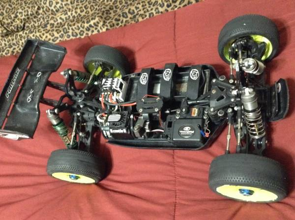 Team Losi Racing 8ight 2.0 buggy rc car (Katy Tx)