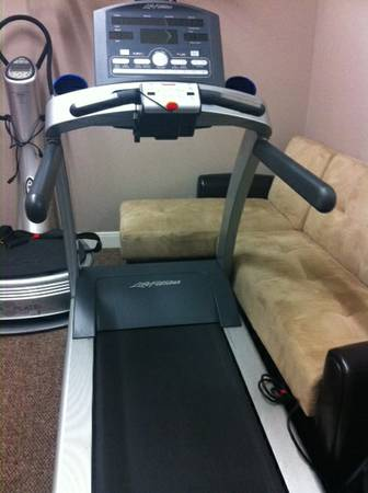 ELITE FX - Life Fitness T70 Treadmill - $1597 (Rice Village West University)