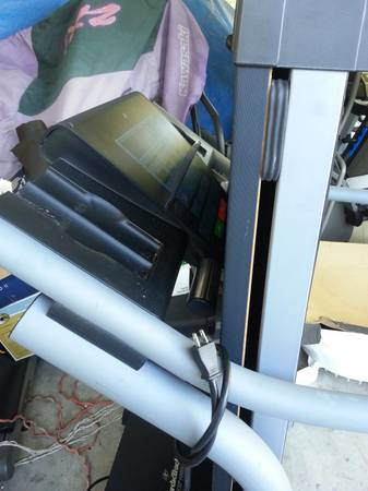 NORDIC TRACK EXP1000I TREADMILL - $250 (north east houston)