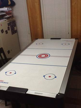Air Hockey Table - BIG 7 foot - $100 (Tomball)