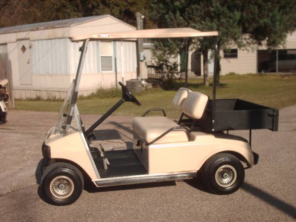 DS Club Car Golf Cart, lights, pick-up bed, 013 batteries - $1500 (Willis N Side of Lake Conroe)