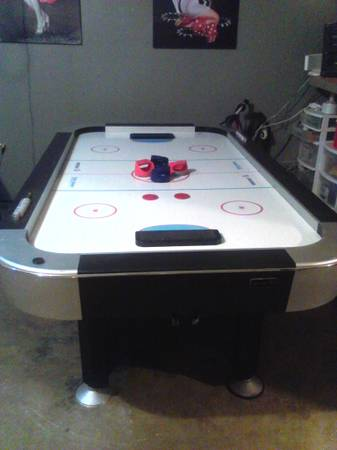 turbo air hockey table - $105 (spring branchclay rd)