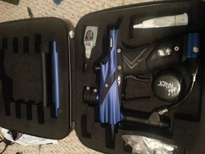 etek 4 lt paintball gun with case - $400 (Conroe)