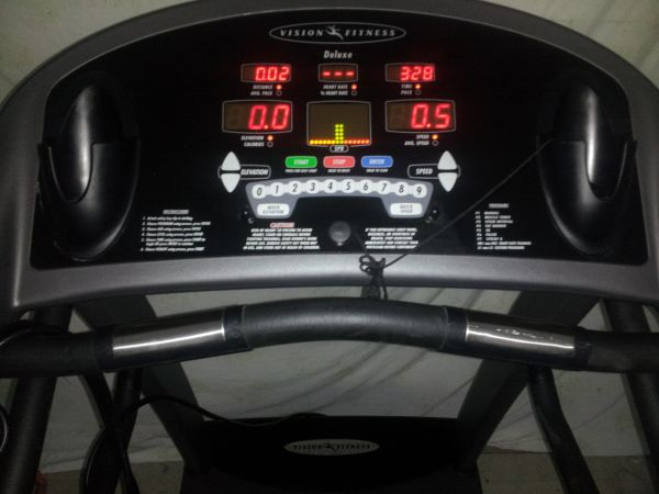 VISION FITNESS T9200 DELUXE TREADMILL - $375 (houston)