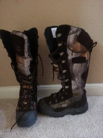 Youth Hunting Boots Sz 4 - $45 (Summerwood)