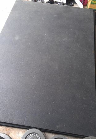Gym flooring - heavy duty, 4 by 6 by 34 - very thick, great shape - $60 (SpringThe Woodlands)