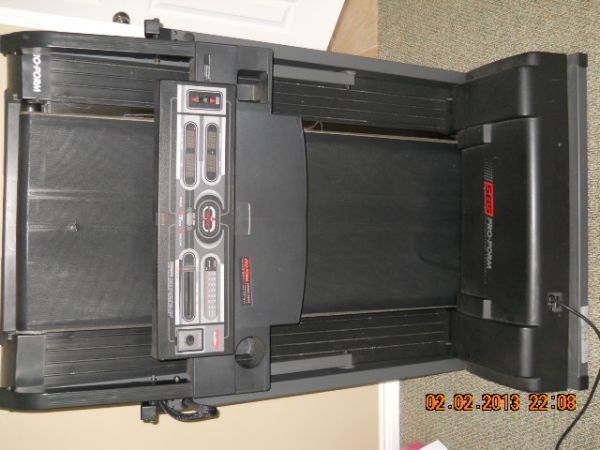 PROFORM 585 PERFORMANCE TREADMILL - $120 (Friendswood)