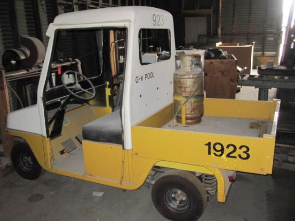 CUSHMAN Maintenance Utility Cart Vehicle Truck Propane Electric Start - $1950 (Katy, TX)