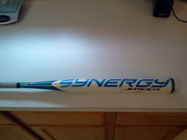 Softball bat easton synergy 2232 - $150 (Katy)