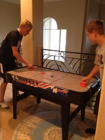 Air Hockey Game Table - $40 (pearland, texas)