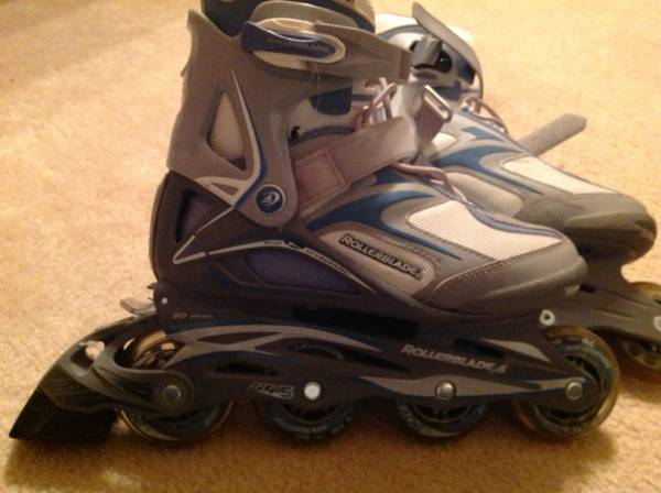 Womens 7 ROLLERBLADEs in line skates inlines  DYNAMIC.    Used  TWICE - $40 (Katy)