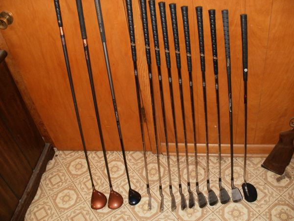 LEFT HAND GOLF SET---VERY NICE - $125 (Rosenberg)