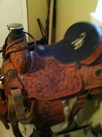 Double j roping saddle for sale