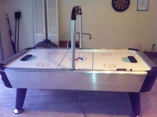 7 ft sportcraft air hockey table with electronic scoring - $400 (Porter)