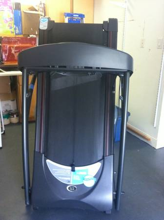 Horizon fitness treadmill - HZ SERIES T71 - $250 (Sugar Land TX)