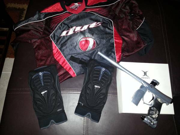 Invert Mini paintball gun limited edition black,chrome 2013 and extras - $340 (sw)