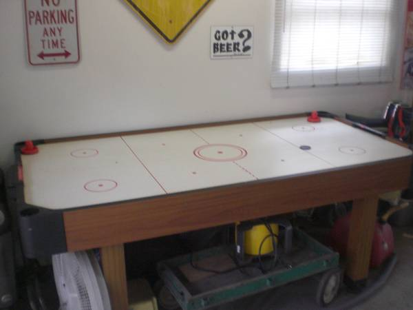 Air Hockey Table - $50 (Magnolia 77355)