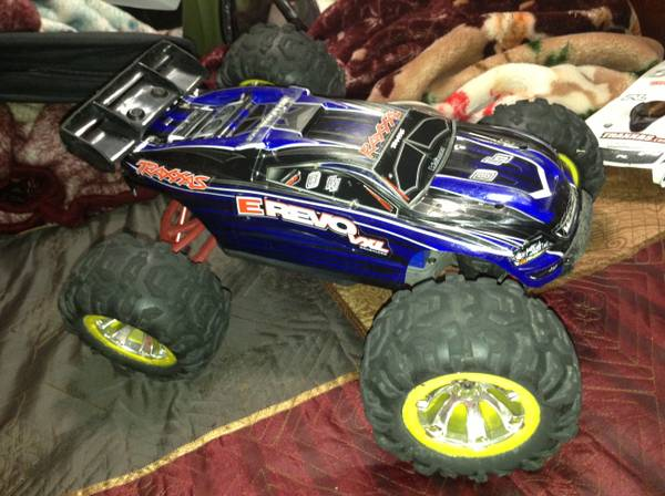 Fully Upgraded 4x4 Brushless E-revo Bundle - $500 (Katy Tx)