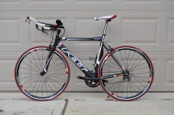 Felt S32 triathlon bike (size 56) - $890 (Conroe)