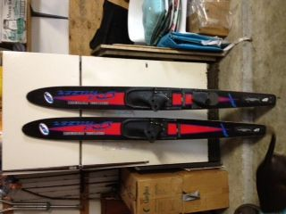 COMBO DUO WATER SKIS PHAZER - $35 (Conroe, Texas)